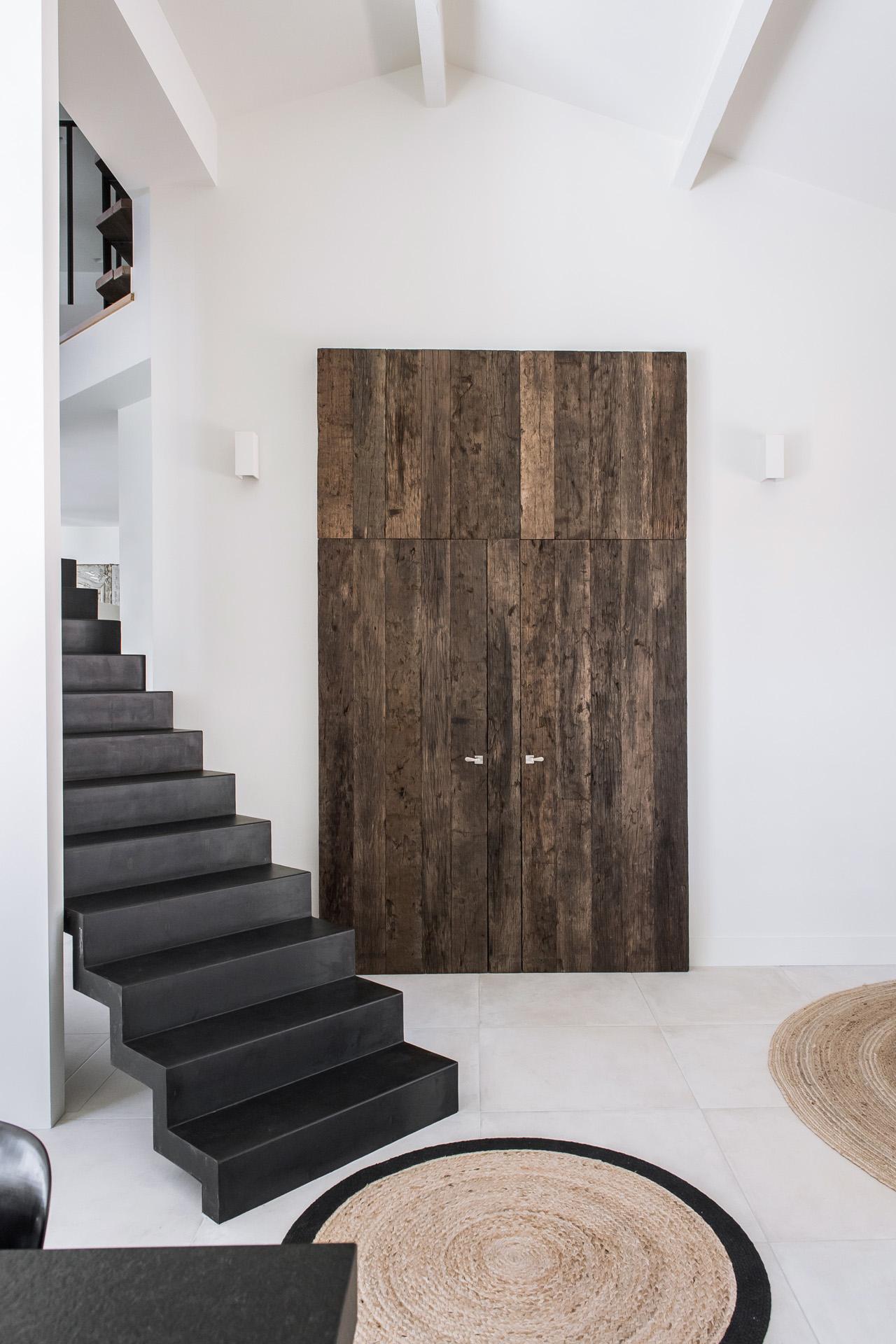 d voil e laurent passe. Black Bedroom Furniture Sets. Home Design Ideas